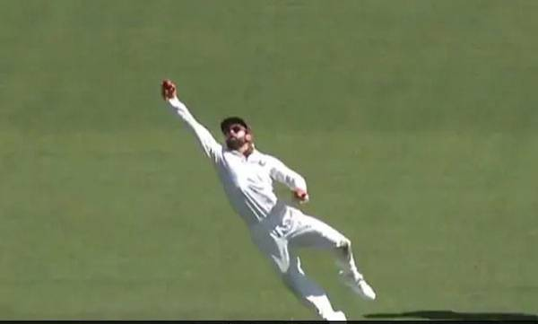 sports-news-india-vs-australia-virat-kohli-takes-one-handed-stunner-to-remove-peter-handscomb-watch