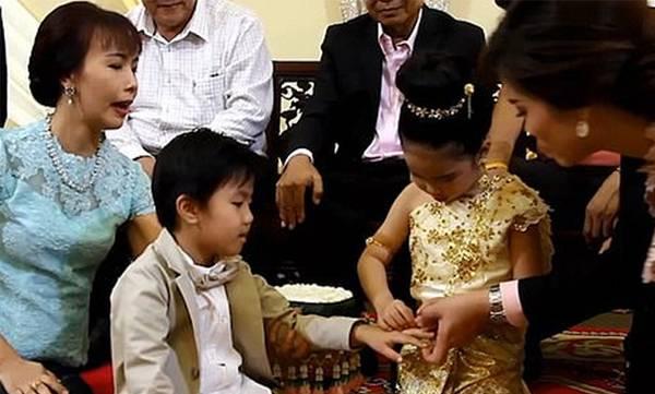 uploads/news/2018/12/275418/child-marriage.jpg