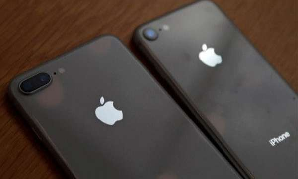 new iphone attracting more users in america