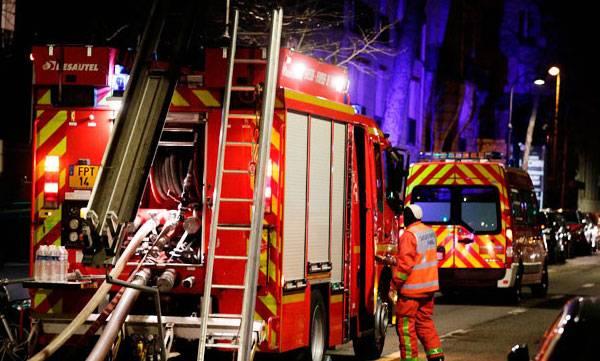Seven dead, paris building blaze