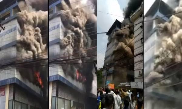 kerala-major-fire-broke-out-at-footwear-go-down-in-kochi