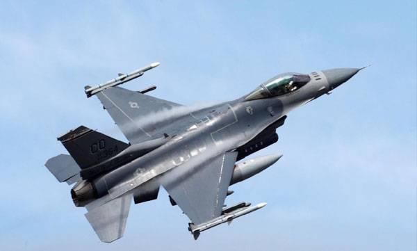 Pak military, F-16