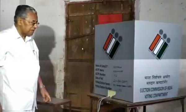 uploads/news/2019/04/303420/pinarayi-voting-mechine.jpg