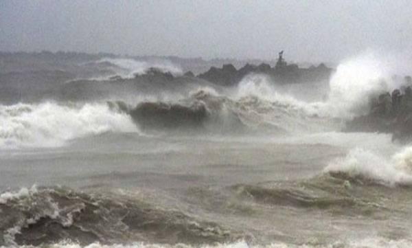 uploads/news/2019/05/305825/phony-cyclone.jpg