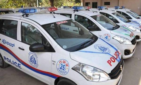 all police personnel must have a driving licence in karnataka