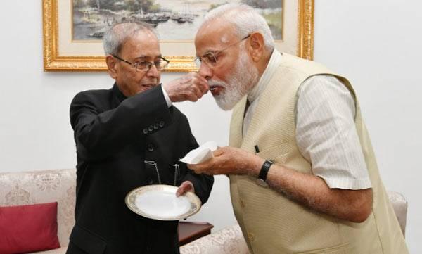 Pranab Mukharjee, Narendra Modi