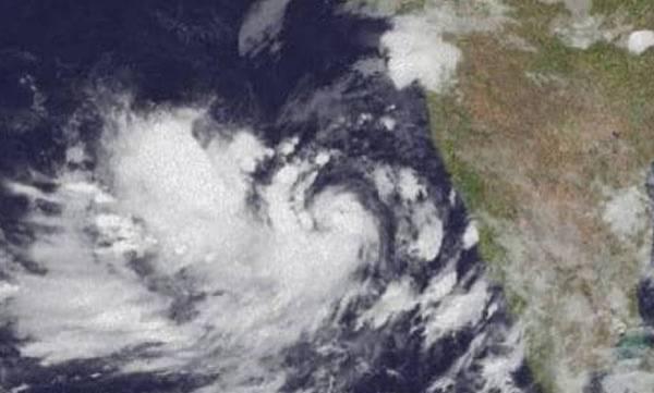 Cyclone Vayu, Alert, Gujarat