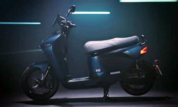 auto-yamaha-electric-scooter