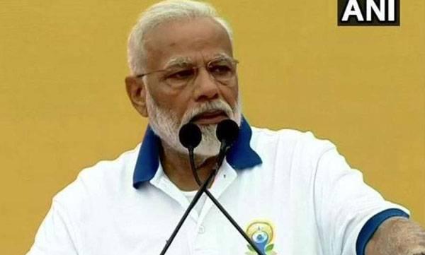Yogi, Modi