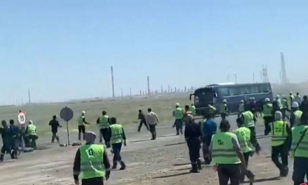 Workers Protest,  Kazakh Oil Field