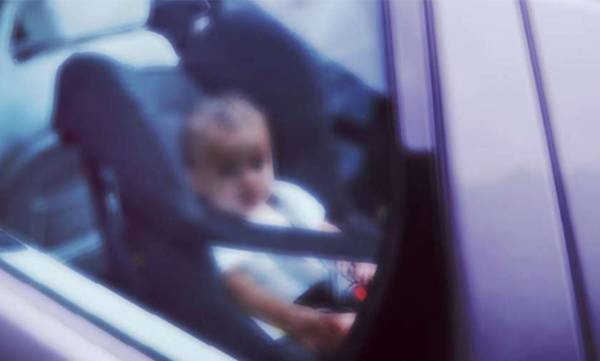 leaving a child alone in a parked car is punishable offence