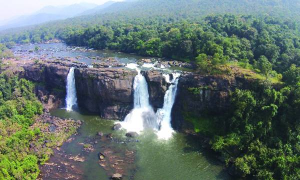 athirappilly waterfalls
