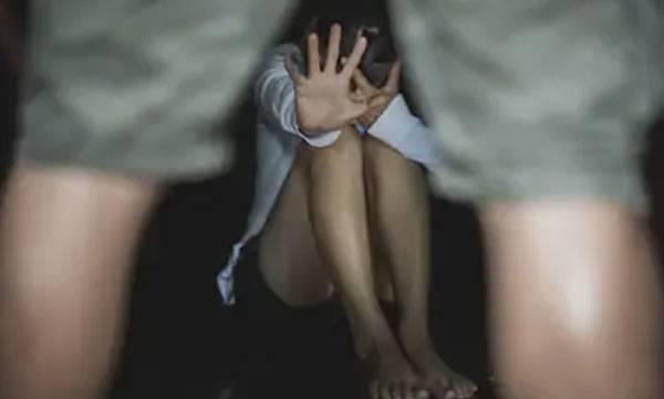molesting girl